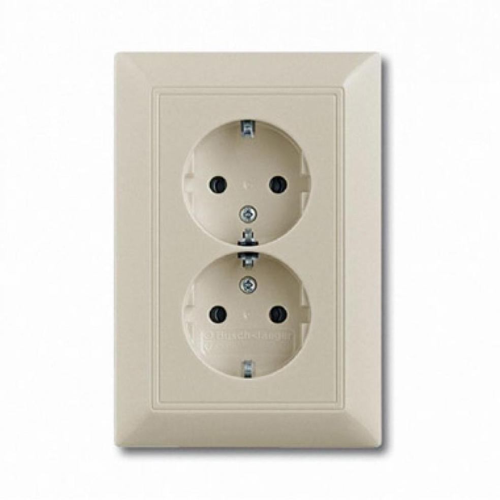 ABB Busch-Jaeger 2011-0-3857 20 EUC-92-507 SCHUKO socket outlet White
