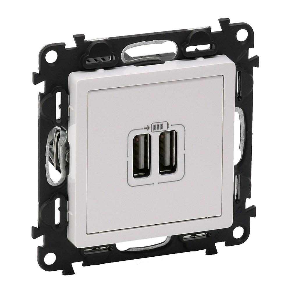 LEGRAND - Двоен USB контакт 1500мА за зареждане 5V, Valena Life 753112
