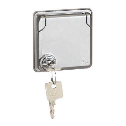 LEGRAND - 077837 Контакт шуко с ключалка 16А Soliroc IP55