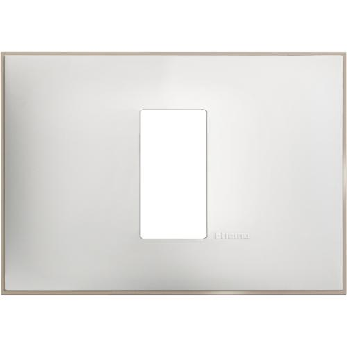 BTICINO - R4803M1WS Рамка 1М италиански стандарт бял сатен Classia