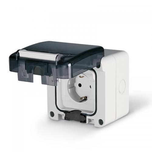 SCAME - Контакт шуко 16А за открит монтаж IP66 при включен консуматор серия Protecta 95х95мм 137.6412