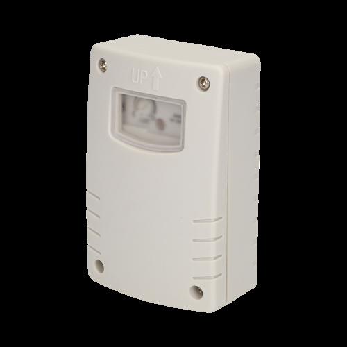 ORNO - Датчик за осветеност, за открит монтаж на стена, с таймер, 1200W, IP44 OR-CR-209