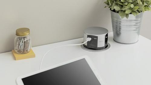 GTV Lighting - Контакт за вграждане в мебел изкачащ  Ø 100 AE-BPW3S100U-53 контакт тип шуко + 2x USB
