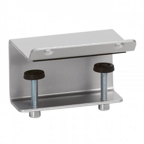 LEGRAND - 54699 Скоба за закрепване към бюро на алуминиев офис модул Legrand