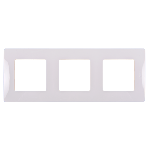 LEGRAND - Тройна рамка NILOE 665003 бяло